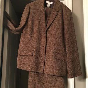 Sag Harbor Lightweight Brown Tweed Pants Suit 16P